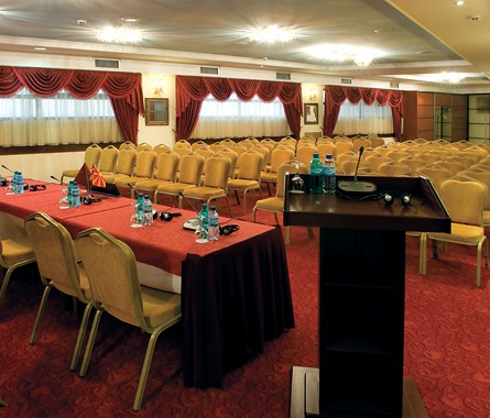 stone-bridge-hotel-conference-hall-02